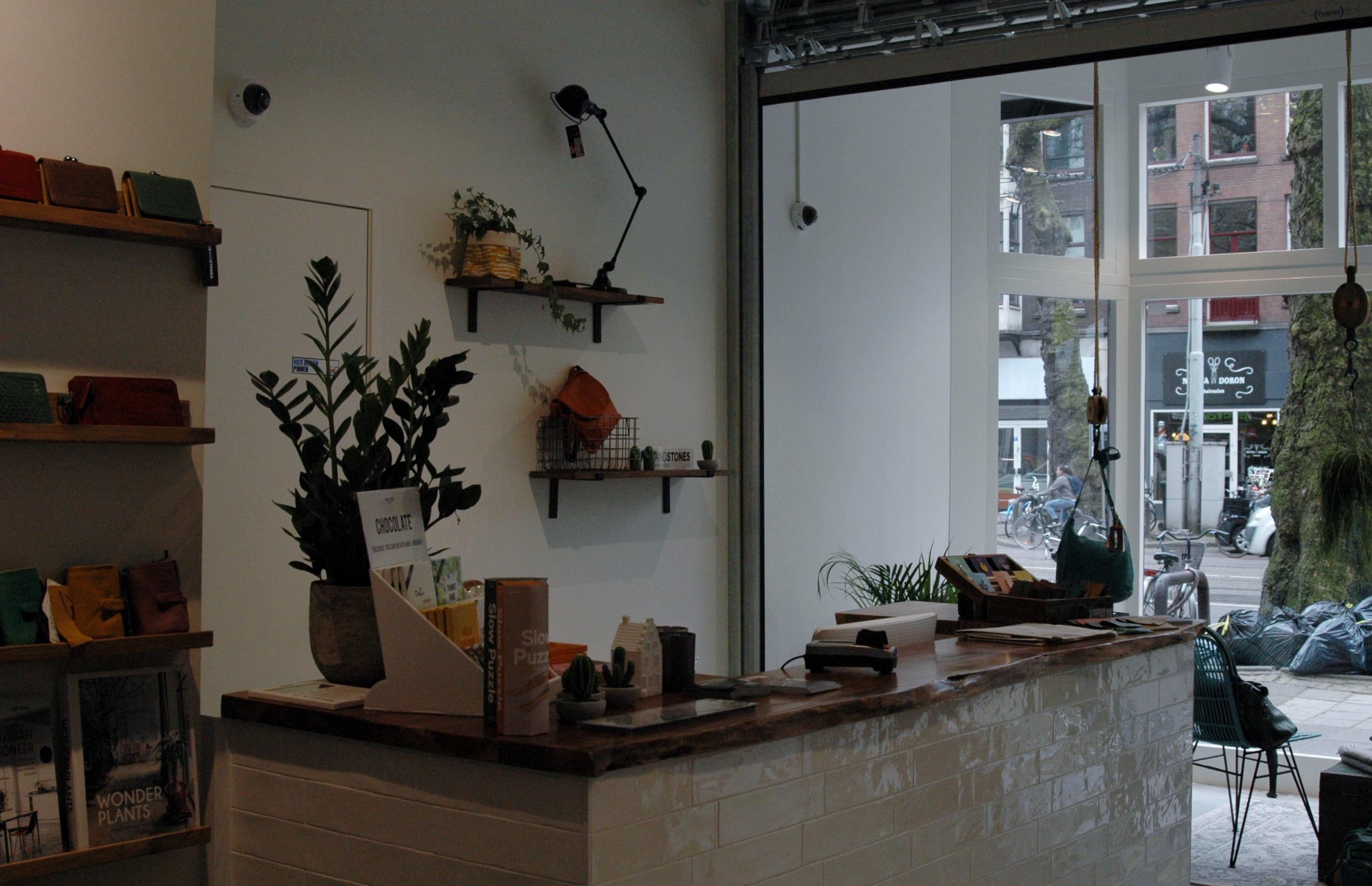 Ceintuurbaan 123-124-UFABouw-Binnen toonbank winkel