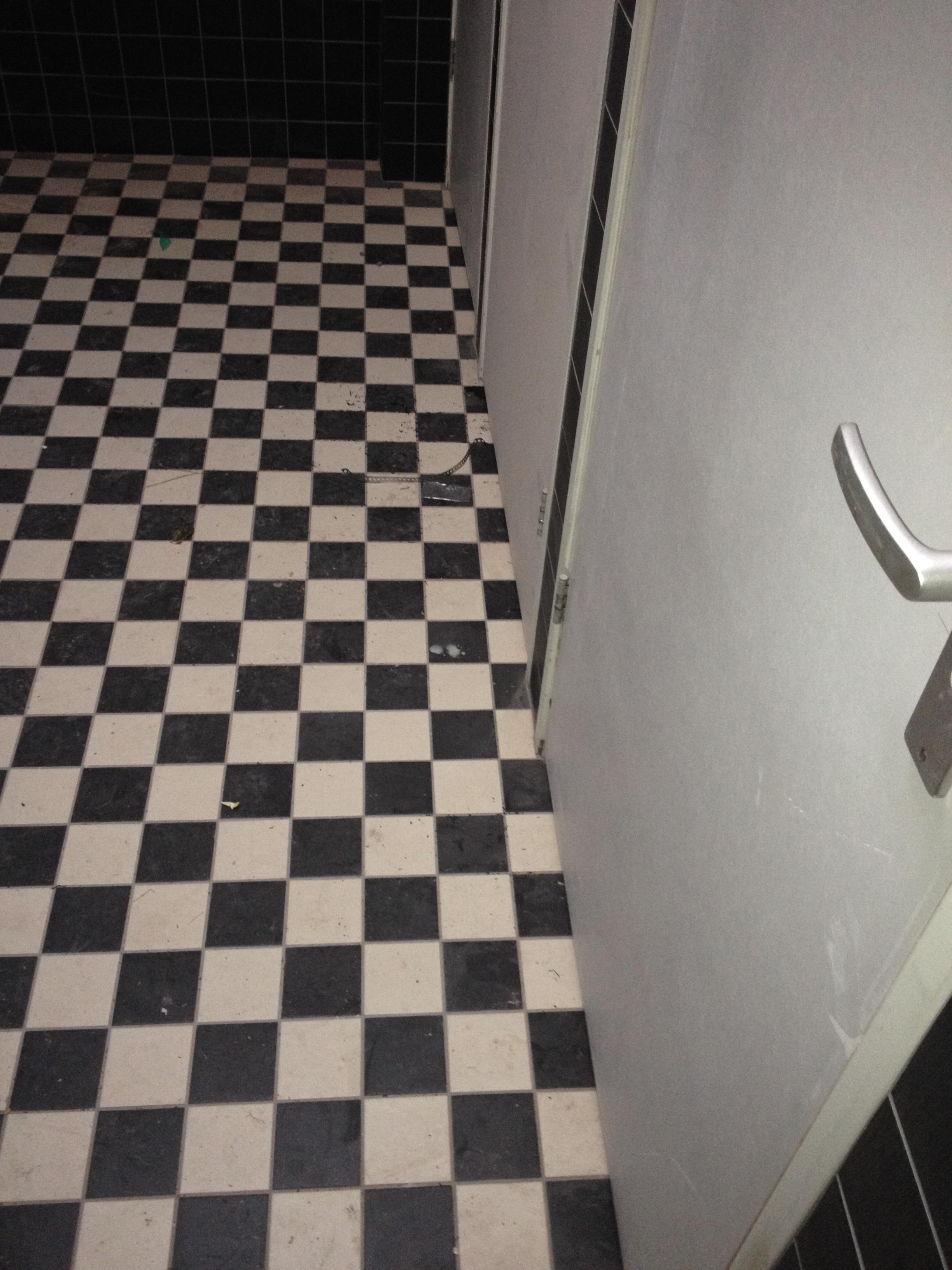 UFA Bouw-Verbouwing-geluidsstudio-toilet