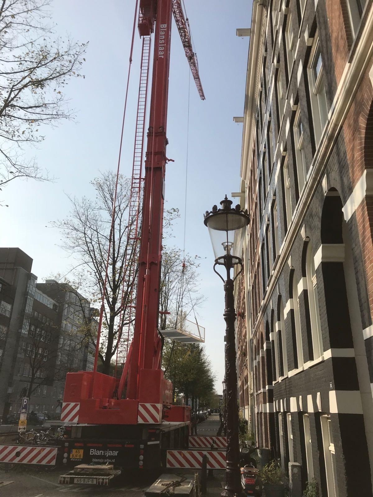 UFA Bouw-Nieuwe Achtergracht_balkons_Kraan