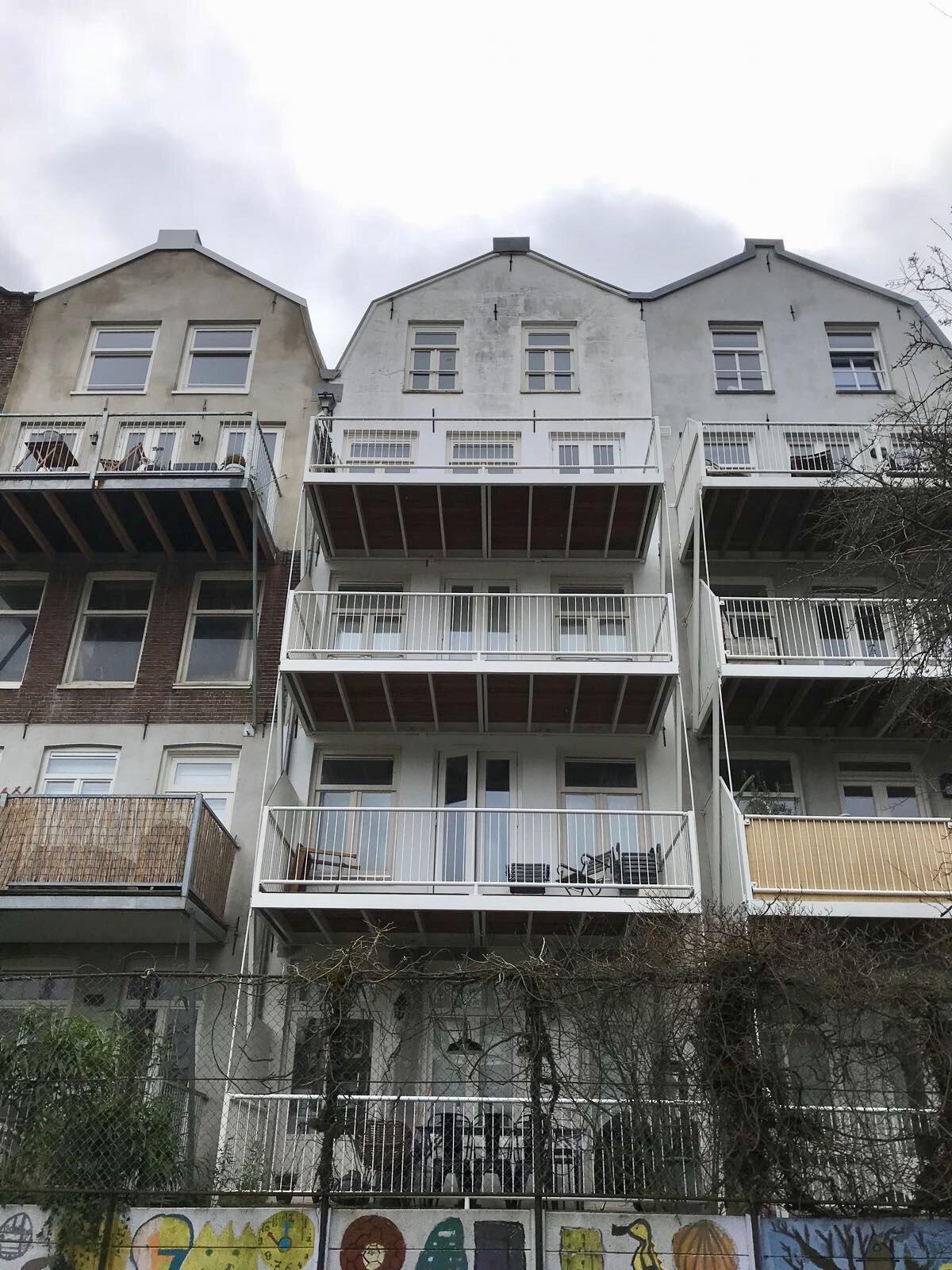 UFA Bouw-Nieuwe Achtergracht_balkons_Na