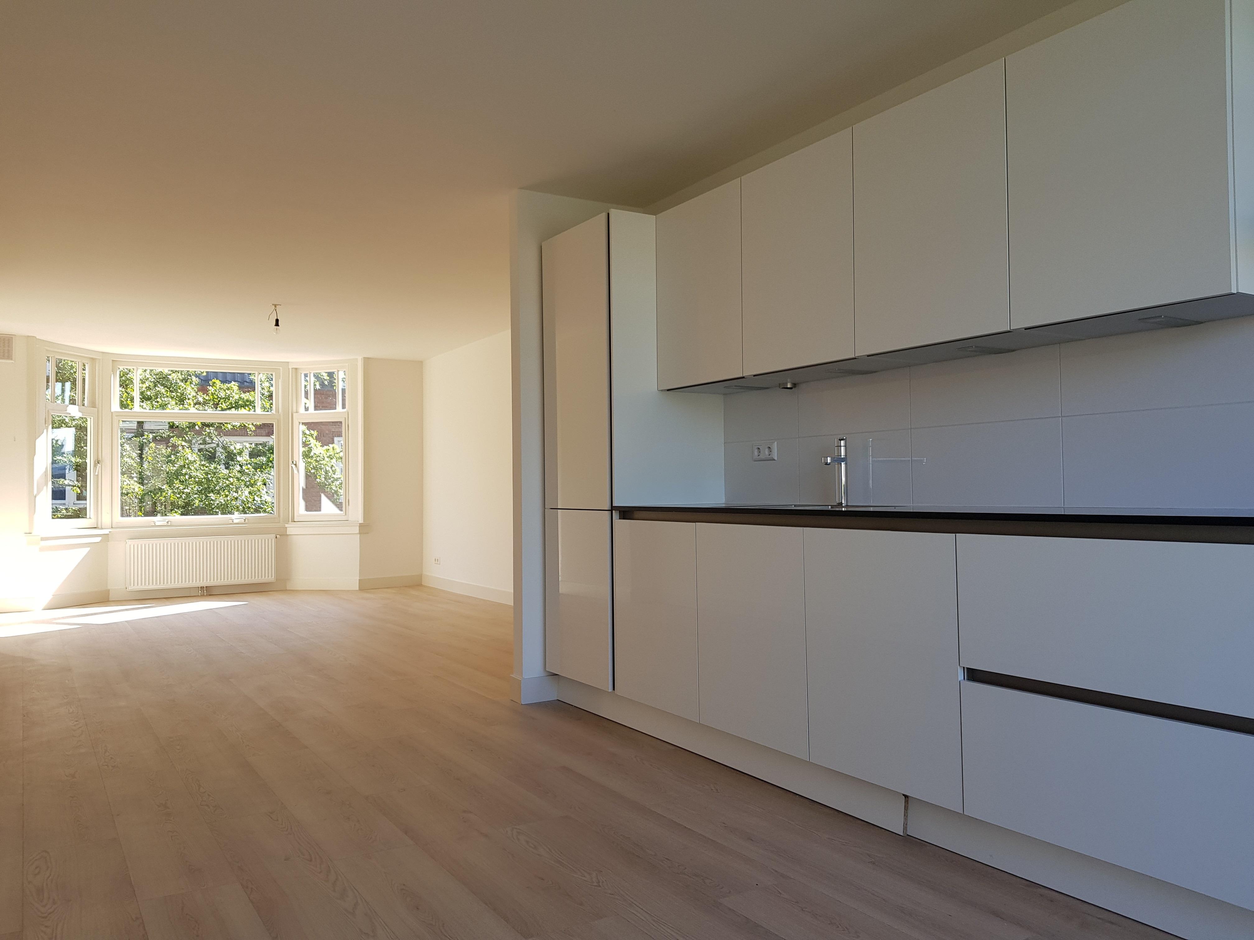 Verbouwing UFA Bouw_Krammerstraat_keuken_huiskamer