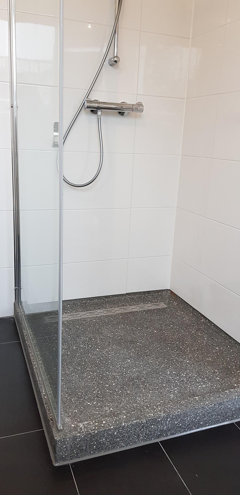 UFA Bouw_Verbouwing_Bosboom Toussaintstraat 31_1e badkamer douchekabine