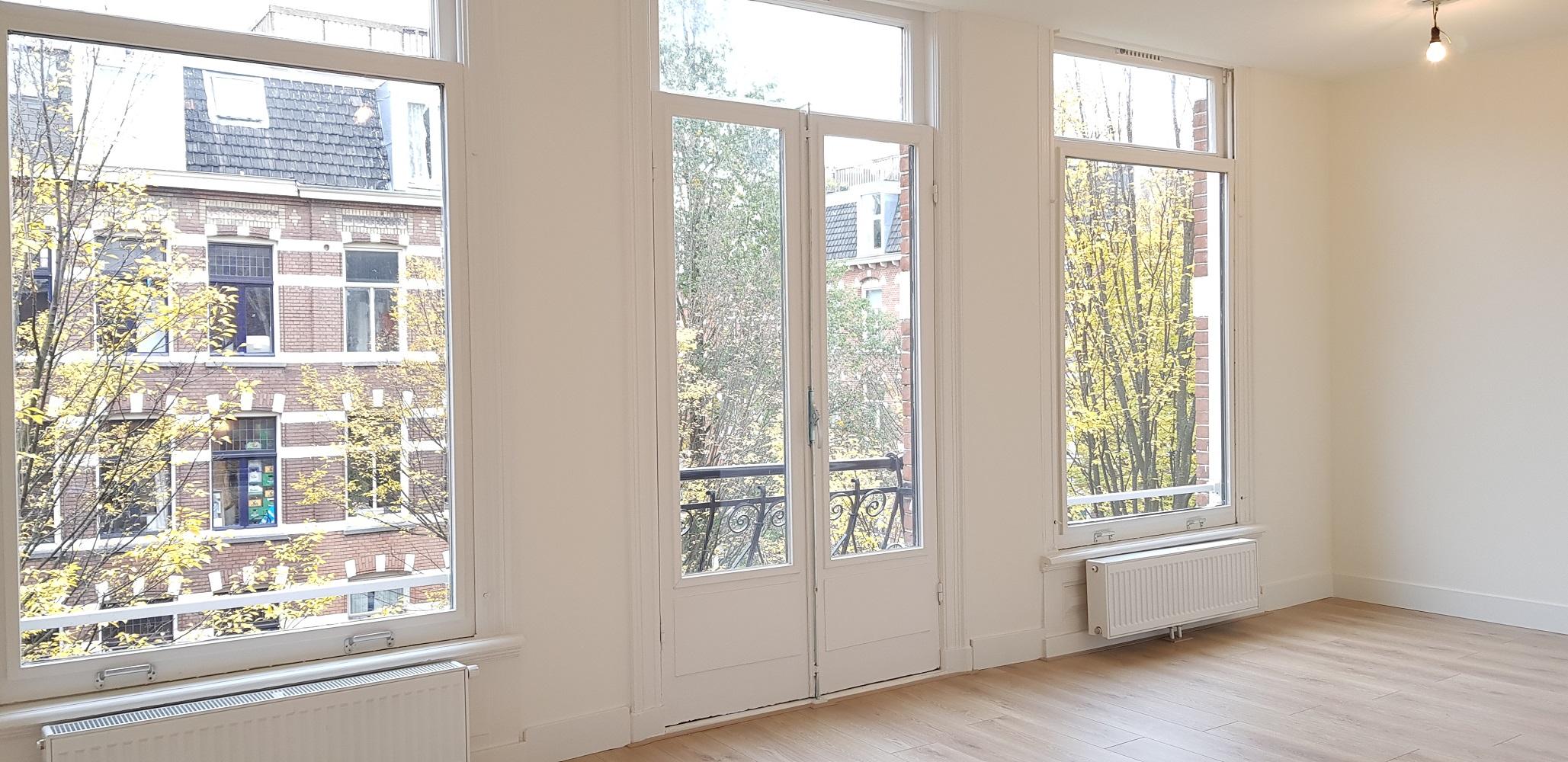 UFA Bouw_Verbouwing_Bosboom Toussaintstraat 31_ramen voor huiskamer schuin