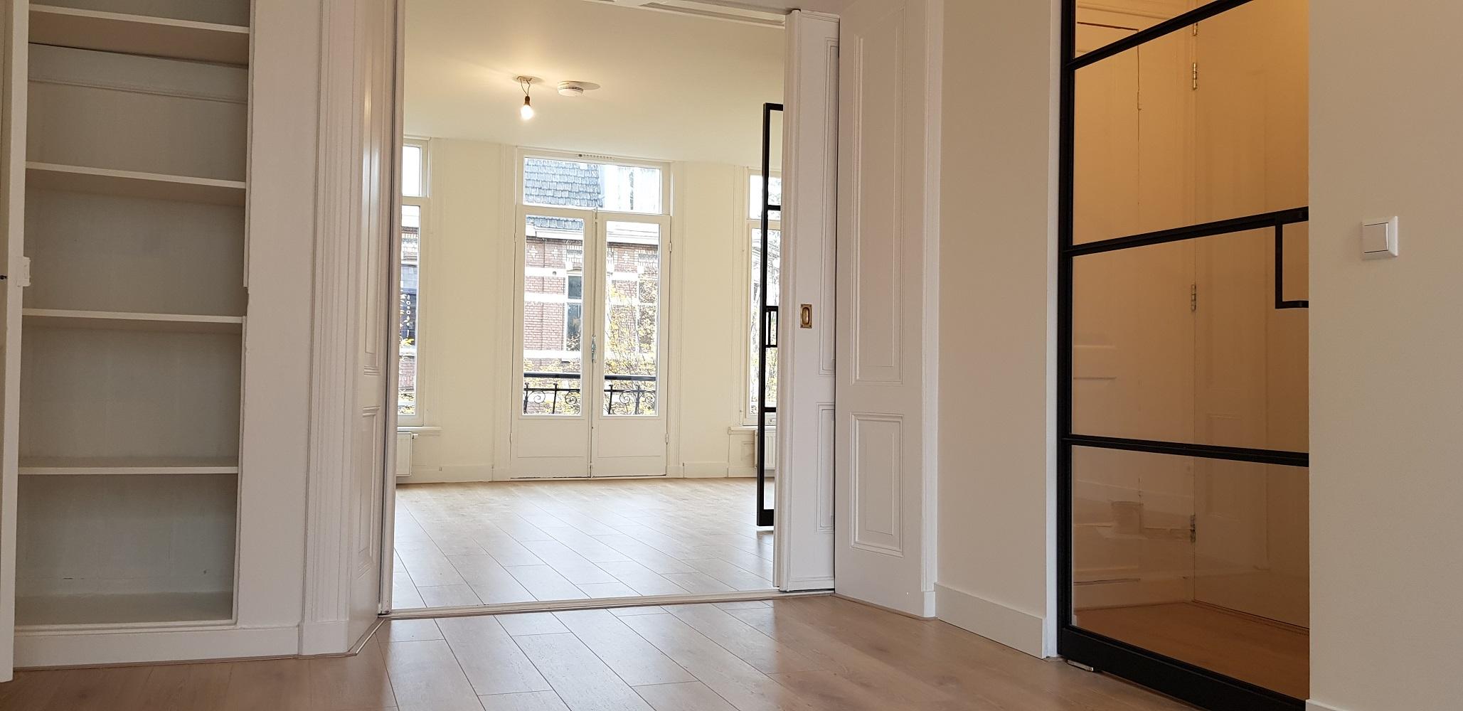 UFA Bouw_Verbouwing_Bosboom Toussaintstraat 31_stalen deur entree hal 2