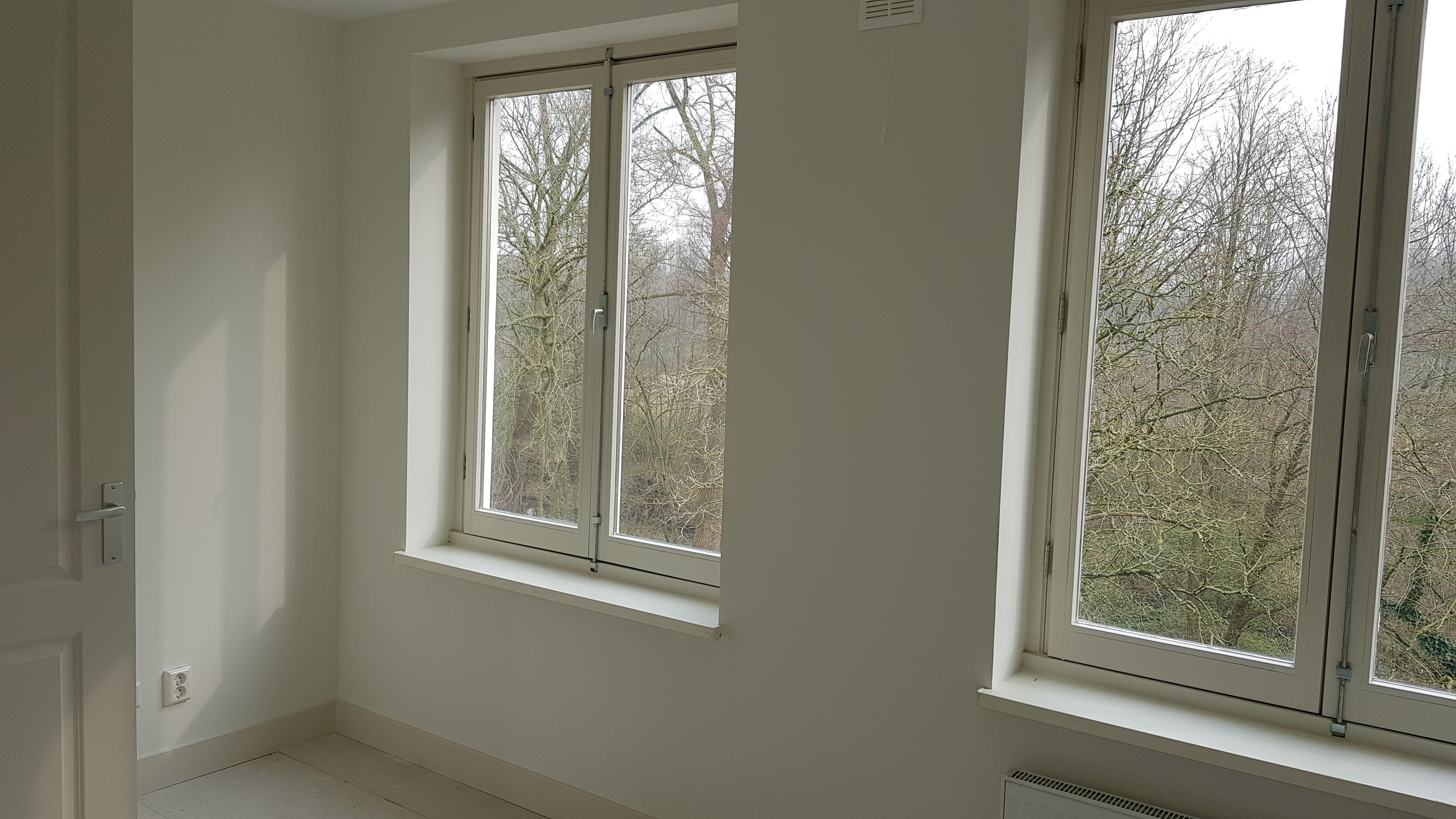 UFA Bouw_renovatie_Kramatweg_slaapkamer houten kozijnen