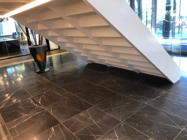 Amsteldijk trap vloer hal