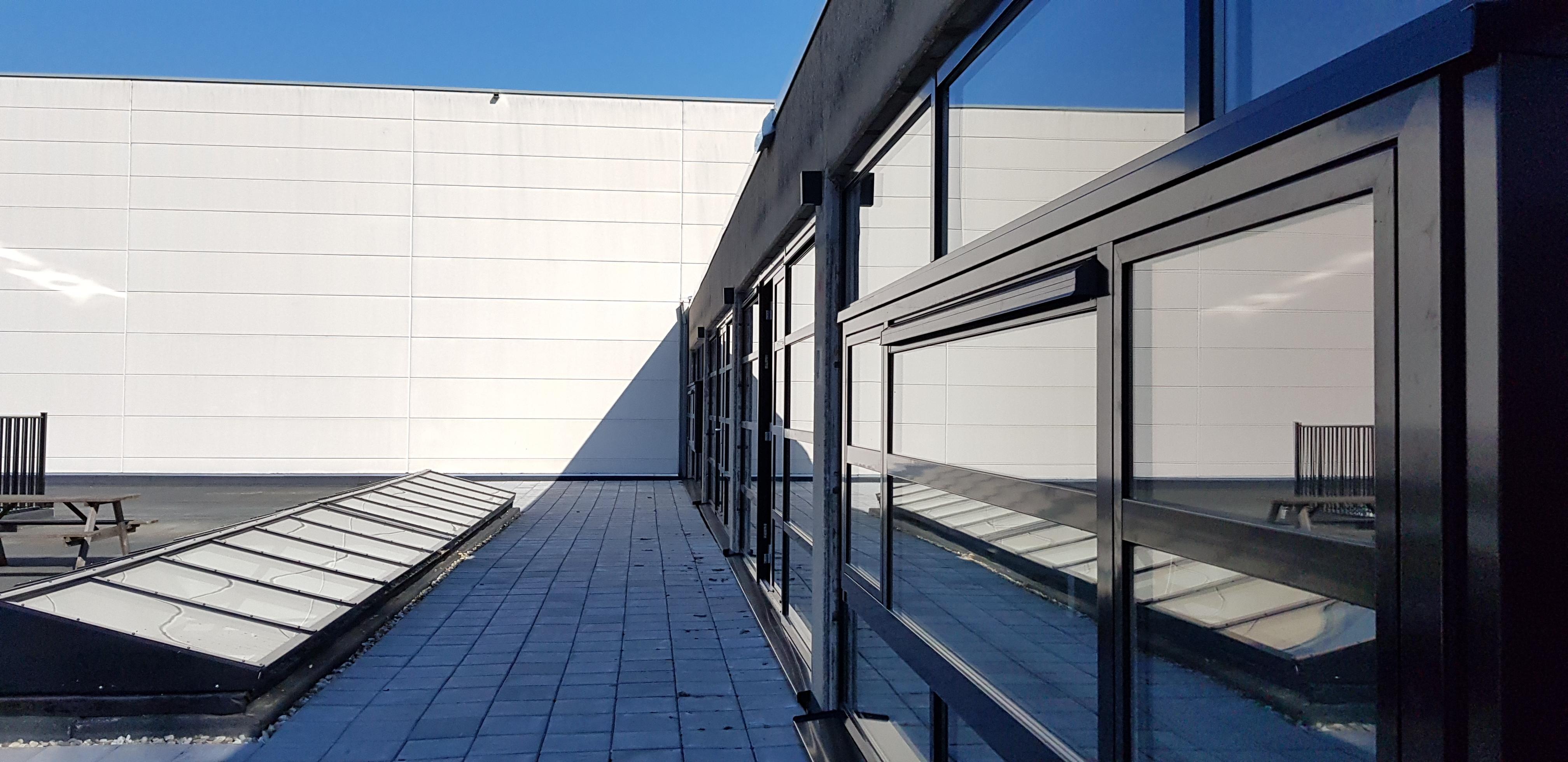 UFA Bouw_Renovatie_Generaal Vetterstraat_Bedrijfslofts_Dakterras en kozijnen liggend