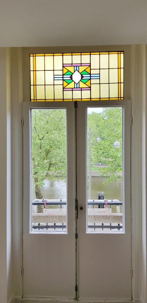 UFA Bouw_Renovatie_Nassaulaan 37_appartement_glas in lood 497×1024
