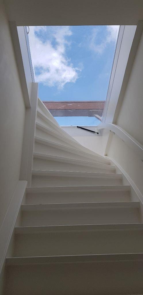 UFA Bouw_Renovatie_Nassaulaan 37_zolder appartement trap dakterras_497x1024