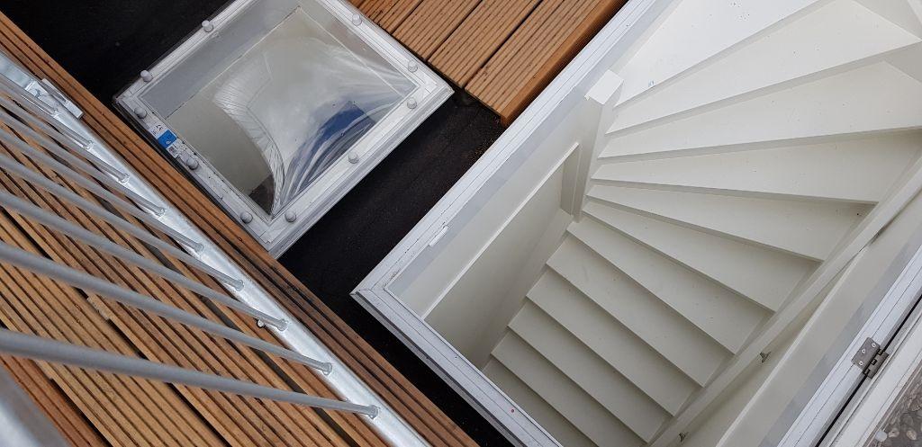 UFA Bouw_Renovatie_Nassaulaan 37_zolder opgang dakterras 1024×497