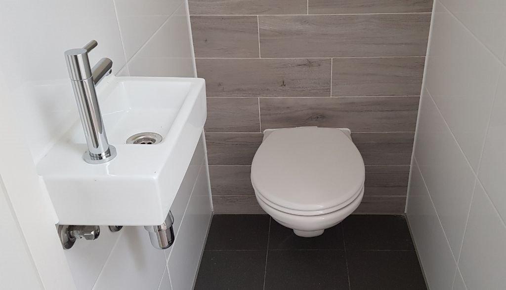 UFA Bouw_Renovatie_Nassaulaan 37_zolder toilet 1024×588
